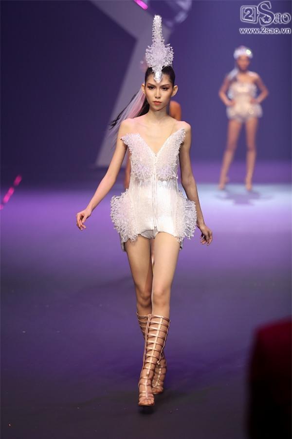Kim Dung đăng quang Vietnam's Next Top Model 2017 trong niềm sung sướng của... Thùy Dương-5