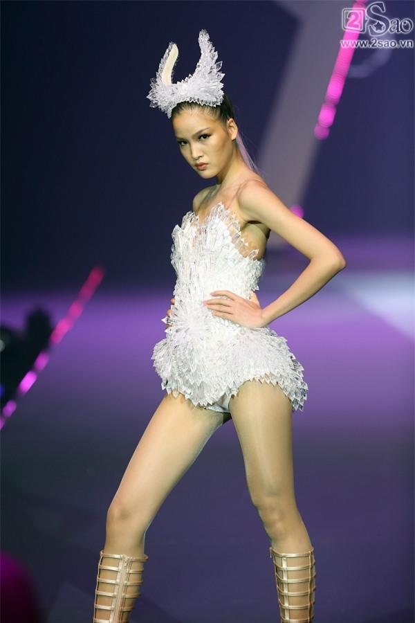 Kim Dung đăng quang Vietnam's Next Top Model 2017 trong niềm sung sướng của... Thùy Dương-6