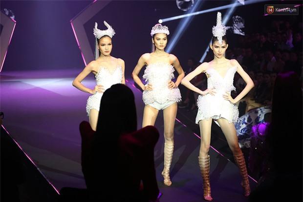 Cả mùa hấp dẫn kết thúc bởi đêm Chung kết đầy sạn, Vietnams Next Top Model đang đùa khán giả à? - Ảnh 1.