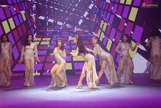 Cả mùa hấp dẫn kết thúc bởi đêm Chung kết đầy sạn, Vietnams Next Top Model đang đùa khán giả à? - Ảnh 7.