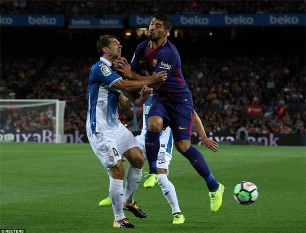 Messi lập hat-trick, Barca thắng 5 sao để hơn Real 4 điểm - Ảnh 3.
