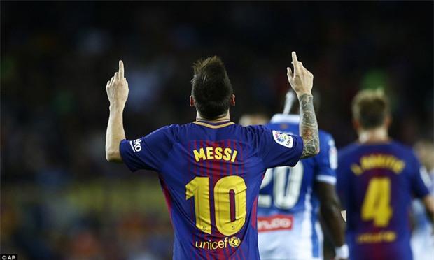 Messi lập hat-trick, Barca thắng 5 sao để hơn Real 4 điểm - Ảnh 11.