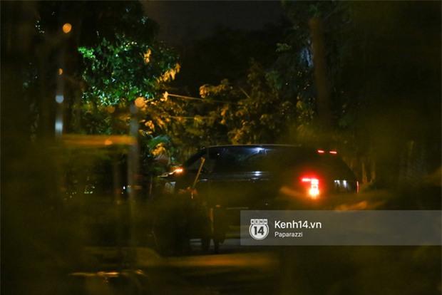 Hà Hồ - Kim Lý lại dính như sam, thân mật ngoài phố và cùng nhau về nhà lúc nửa đêm - Ảnh 17.