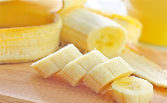 Ăn chuối tiêu ngon bổ rẻ, bạn còn tận dụng được nhiều bài thuốc chữa bệnh hữu ích từ thực phẩm này