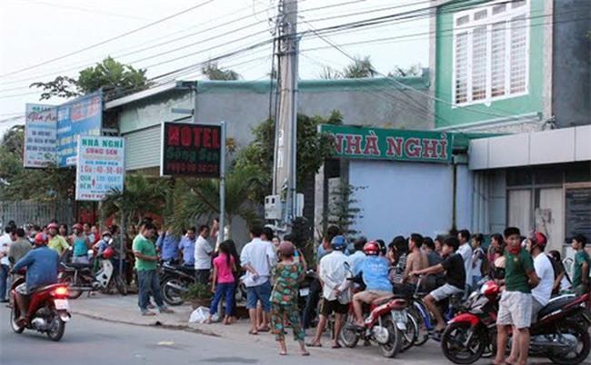 Hà Nội: Phát hiện 3 mẹ con tử vong bất thường trong nhà nghỉ
