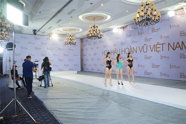 Hoàng Thùy thi bikini tại Hoa hậu Hoàn vũ cũng phải thật nổi bật! - Ảnh 3.
