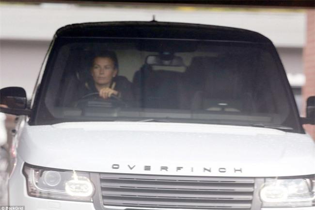 Coleen đột ngột yêu cầu Rooney viết đơn xin nghỉ tại Everton ngay lập tức - Ảnh 1.