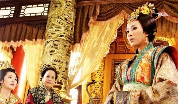 Hoàng đế Trung Hoa và mối tình kỳ lạ với người bảo mẫu già - Ảnh 1.
