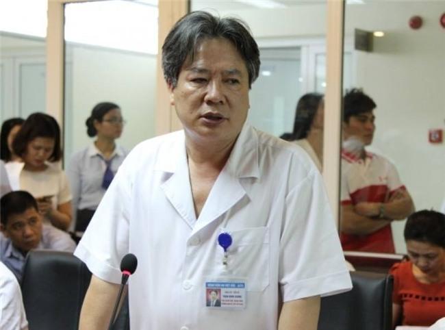 """Bệnh nhân tố BV Việt Đức trì hoãn lịch mổ vì """"không có tiền lót tay"""" - 2"""