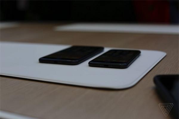 Giắc cắm phone đã được loại bỏ hoàn toàn trên iPhone