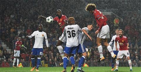 Fellaini vào sân và tỏa sáng với bàn mở tỷ số