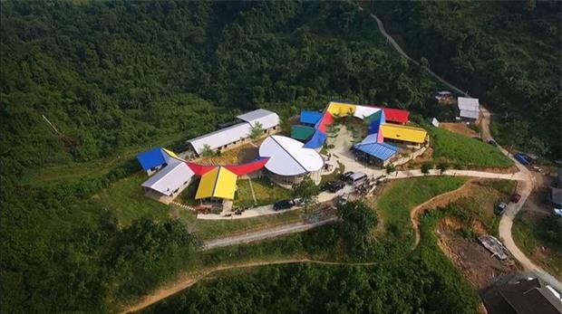 Hiệu trưởng Tiểu học Lũng Luông: Bịa đặt trường chỉ 30 học sinh làm thầy cô quá chạnh lòng - Ảnh 1.