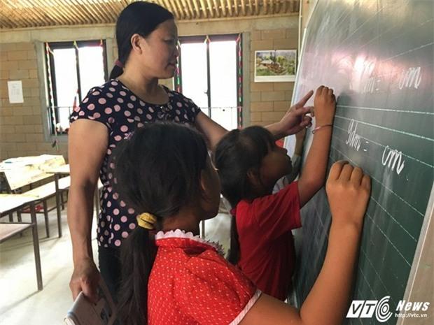 Hiệu trưởng Tiểu học Lũng Luông: Bịa đặt trường chỉ 30 học sinh làm thầy cô quá chạnh lòng - Ảnh 4.