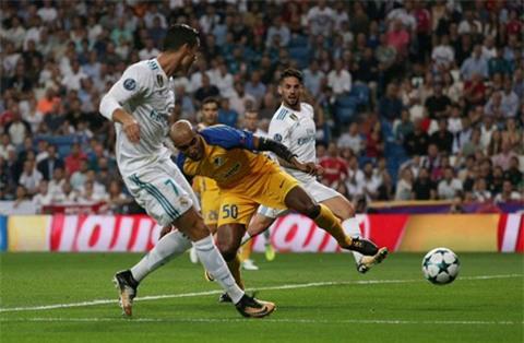 Ronaldo trở lại và ngay lập tức ghi bàn
