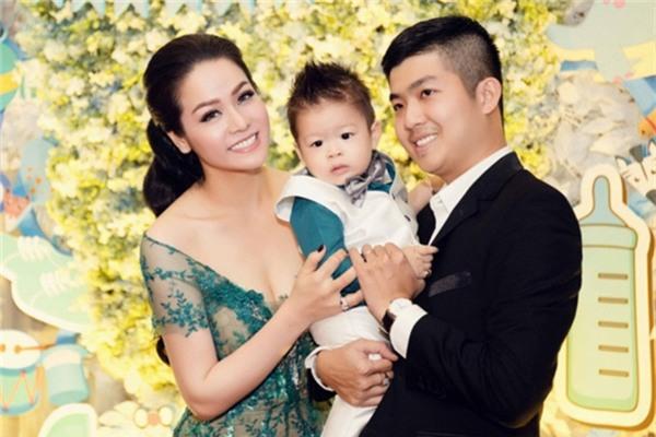 Gia đình nhỏ của vợ chồng Nhật Kim Anh. - Tin sao Viet - Tin tuc sao Viet - Scandal sao Viet - Tin tuc cua Sao - Tin cua Sao