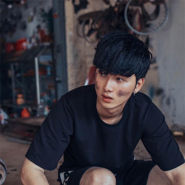 Sự thật về anh chàng sửa xe máy điển trai ở Đắk Lắk được dân mạng tìm kiếm  - Ảnh 2.