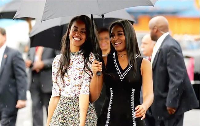 Nói không với tivi và đi ngủ lúc 8h tối - Hai nguyên tắc dạy con của vợ chồng Obama - Ảnh 1.