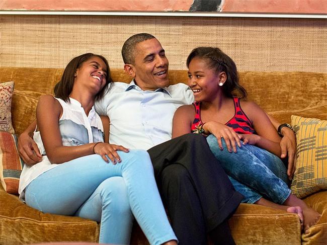 Nói không với tivi và đi ngủ lúc 8h tối - Hai nguyên tắc dạy con của vợ chồng Obama - Ảnh 4.