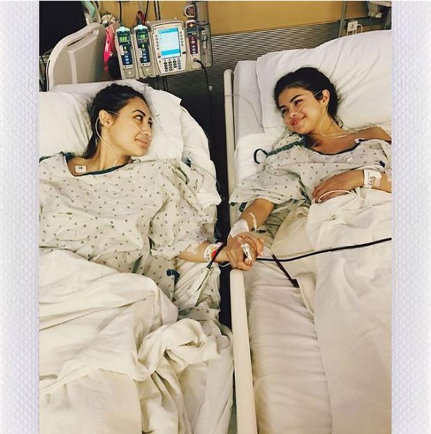 Justin Bieber và The Weeknd đã ở đâu khi Selena Gomez nhập viện ghép thận vì bệnh hiểm nghèo? - Ảnh 1.