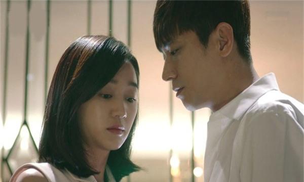 """""""luc nao cung so sanh chong minh voi nguoi khac, em co xung dang lam vo khong?"""" - 2"""