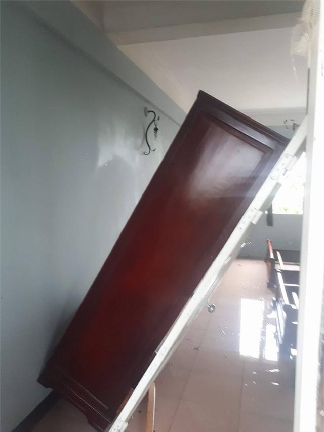 Khách sạn Sông La là công trình khá kiên cố nhưng cũng bị ảnh hưởng nặng nề.