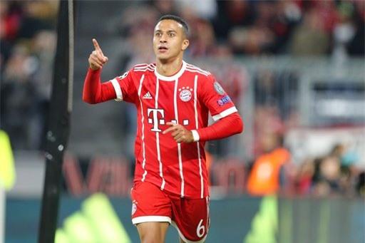 Thiago đạo diễn tốt lối chơi của Bayern Munich