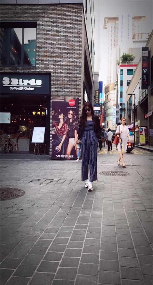 Kỳ Duyên, Khánh Linh The Face đọ hàng hiệu trong street style tuần qua - Ảnh 15.