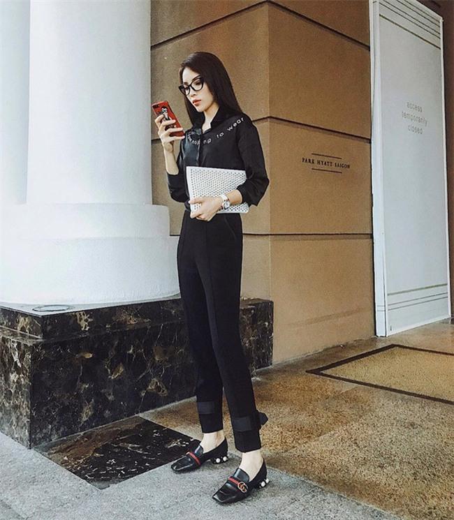 Kỳ Duyên, Khánh Linh The Face đọ hàng hiệu trong street style tuần qua - Ảnh 2.