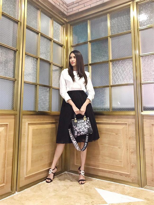 Kỳ Duyên, Khánh Linh The Face đọ hàng hiệu trong street style tuần qua - Ảnh 6.