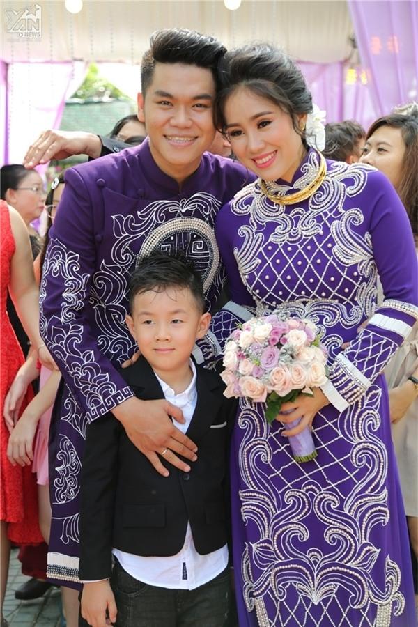 Tuy nhiên, giờ đây Lê Phương đã tìm được một bến đỗ hạnh phúc mới với ông xã Trung Kiên. Trước đó, hình ảnh về đám cưới của cặp đôi này xuất hiện trên khắp các mặt báo. - Tin sao Viet - Tin tuc sao Viet - Scandal sao Viet - Tin tuc cua Sao - Tin cua Sao