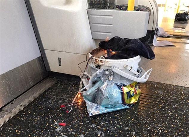 nổ ở London, tàu điện ngầm, khủng bố