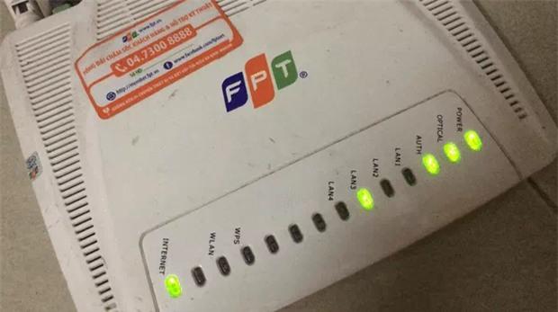 Mạng FPT bất ngờ sập trên diện rộng, khách hàng không thể liên hệ tổng đài - Ảnh 1.