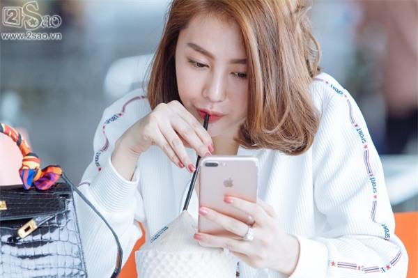 Độc Quyền: Ái tình khắc khoải, Linh Chi chọn cách ra nước ngoài đón sinh nhật trong đơn côi-4