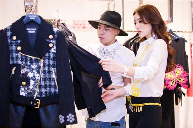 Hoa hậu Kỳ Duyên phủ đầy hàng hiệu thử đồ dự show Moschino tại Milan Fashion Week - Ảnh 1.