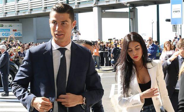 Người yêu Ronaldo có chị gái xinh chẳng kém siêu mẫu - Ảnh 3.