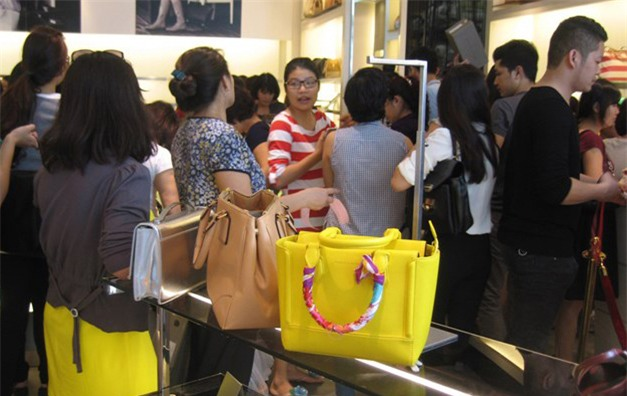 zara, hm, doanh nghiệp bán lẻ, thời trang nhanh, thời trang hàng hiệu, bán hàng