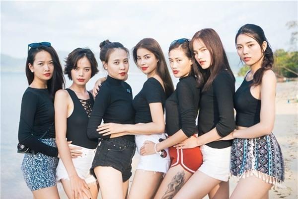 Cô từng đoạt giải Miss Teen được yêu thích nhất 2008, Hoa khôi xứ Lạng 2010.Không những thế,Đàm Thu Trangcòn lọt vào top 20 Hoa hậu Việt Nam 2010, top 6Vietnam's Next Top Model2010. - Tin sao Viet - Tin tuc sao Viet - Scandal sao Viet - Tin tuc cua Sao - Tin cua Sao