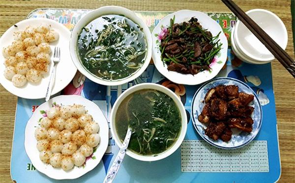 """ve thoi com chung, co sinh vien khoe mam com """"chong tuong lai"""" nau, chi em khen nuc no - 2"""