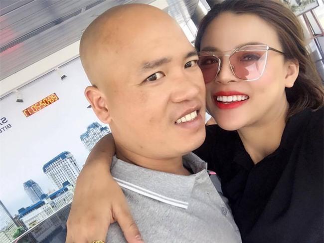 Bị bạn chồng chê xấu, mẹ trẻ Hà Nội chịu đau đớn phẫu thuật thẩm mỹ 9 lần để tự tin sánh vai bên chồng - Ảnh 6.