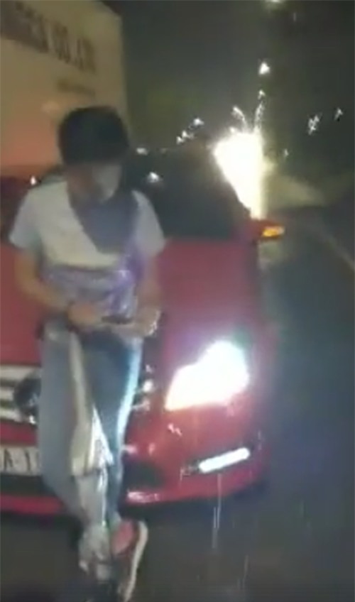 Xôn xao đoạn clip tố Trường Giang va quẹt xe hơi trong lúc say rượu - Ảnh 2.
