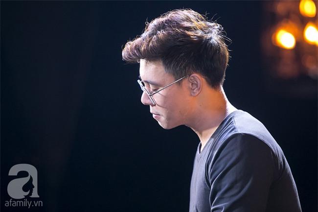 Đông Hùng: Lúc tôi thi Vietnam Idol, hơn phân nửa khán giả bên dưới đều là chủ nợ-4