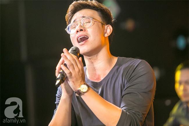 Đông Hùng: Lúc tôi thi Vietnam Idol, hơn phân nửa khán giả bên dưới đều là chủ nợ-6