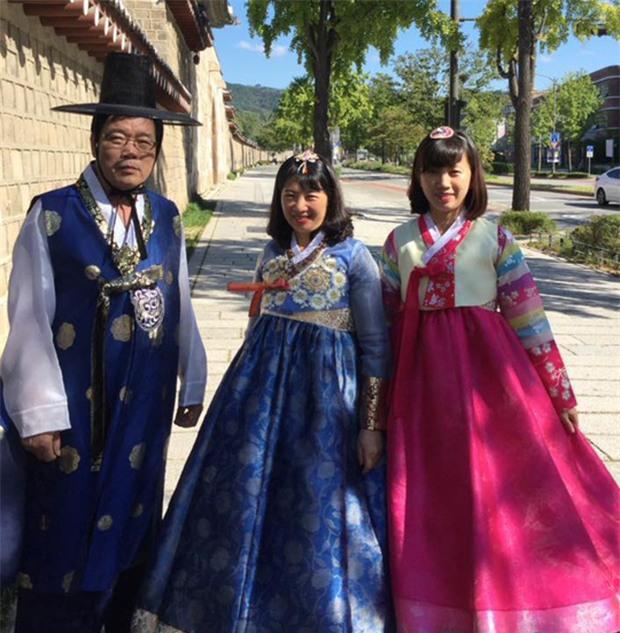 Xuân Trường tươi như hoa bên gia đình tại Hàn Quốc - Ảnh 7.