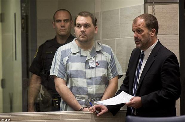 Người cha mất nhân tính, siết cổ hai con trai 9 và 11 tuổi tới chết trước khi hạ sát con trai 7 tháng tuổi - Ảnh 1.