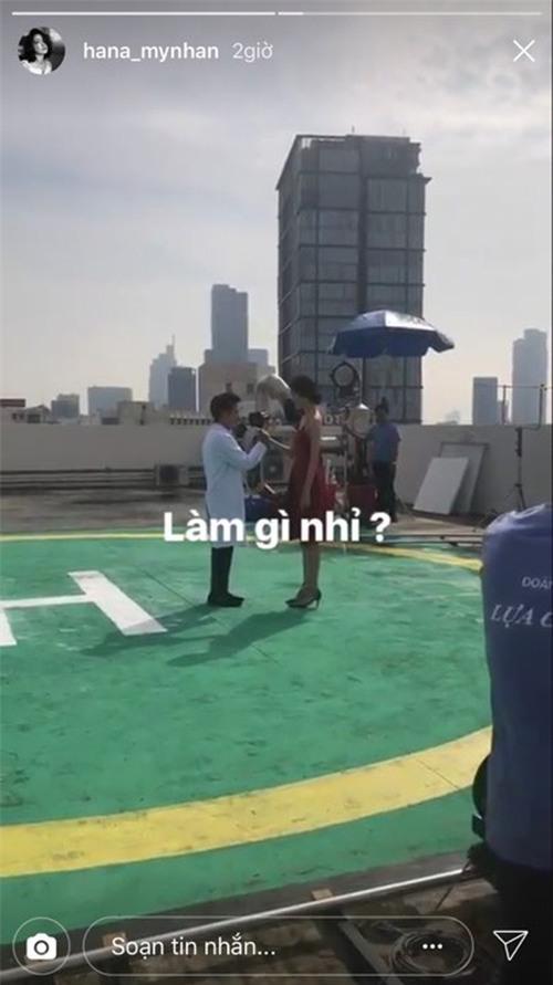Trường Giang vẫn đi quay phim cùng Trương Mỹ Nhân, giữ im lặng sau nghi vấn say xỉn dẫn đến va quẹt xe hơi - Ảnh 2.