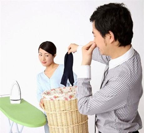 Tôi ngột ngạt vì người chồng bắt ne bắt nẹt (Ảnh minh hoạ IT)