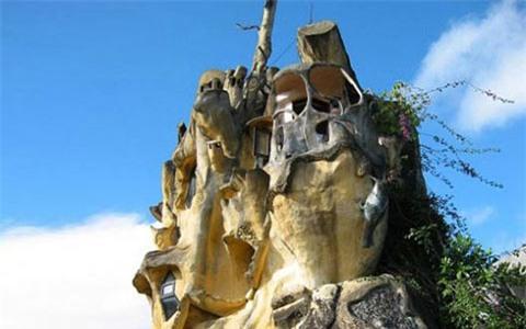 nhà kì quái, nhà kỳ quái, biệt thự, lâu đài
