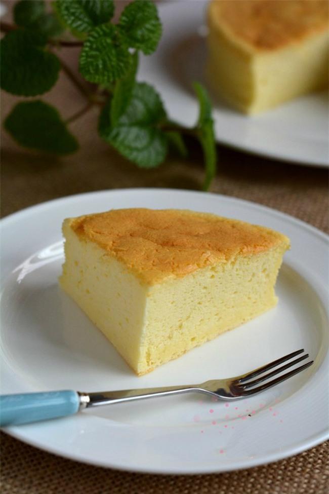 Công thức làm bánh bông lan phô mai mềm mịn thơm phức - Ảnh 8.