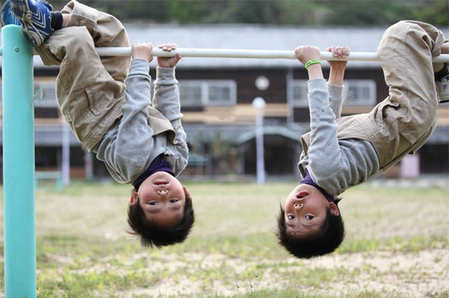 Hóa ra cha mẹ Nhật mang cả âm dương ngũ hành để dạy con. Thảo nào trẻ lại thông minh đến vậy - Ảnh 1.