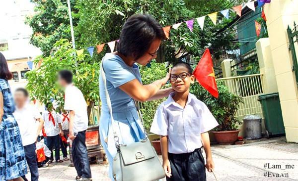 """nguoi me ha noi mat 2 nam day con bai nao hieu tu """"ban"""", 3 nam cung con hoc nhai - 1"""